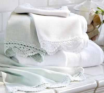 Crochet Trimmed Guest Towels