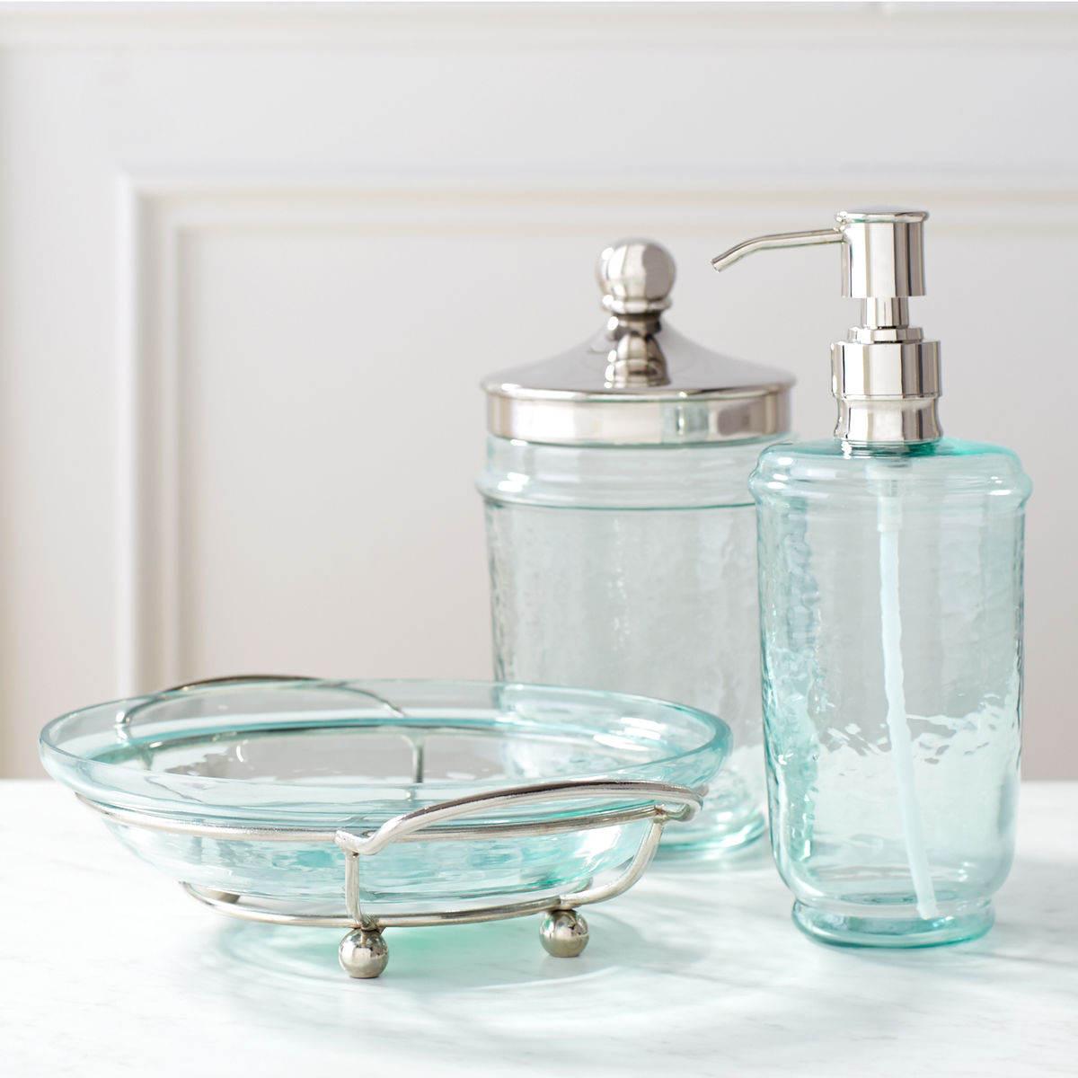 Oasis Bathroom Accessories