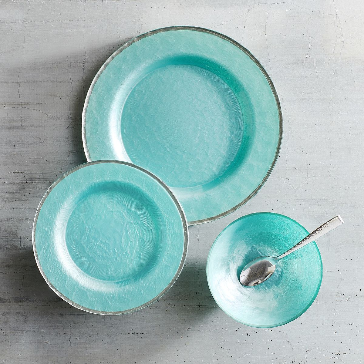 Evelyn Sky Blue Glass Dinnerware