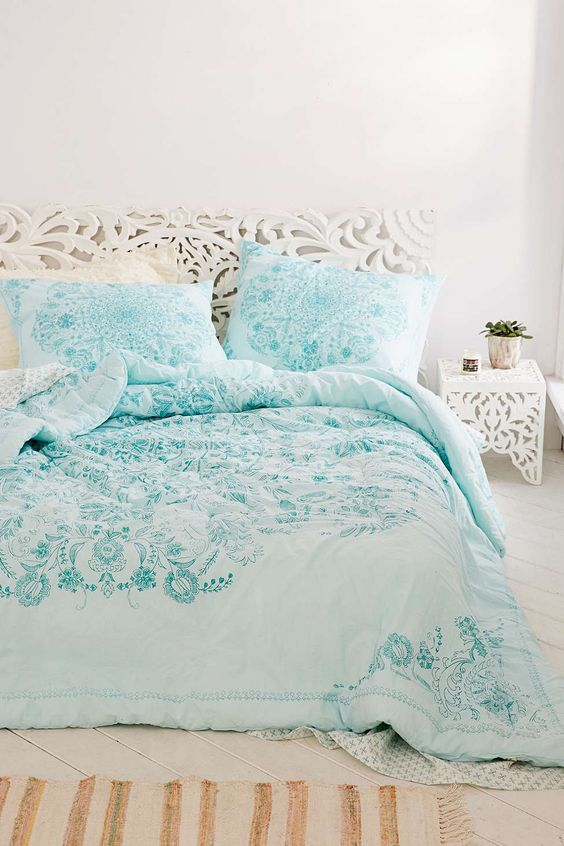 p comforter size magical urban thinking from outfitters bedding full bed ophelia medallion small