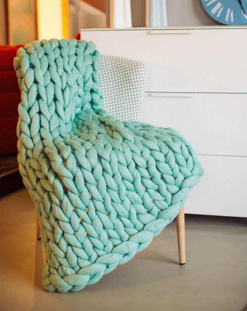 Aqua Blue Chunky Knit Blanket