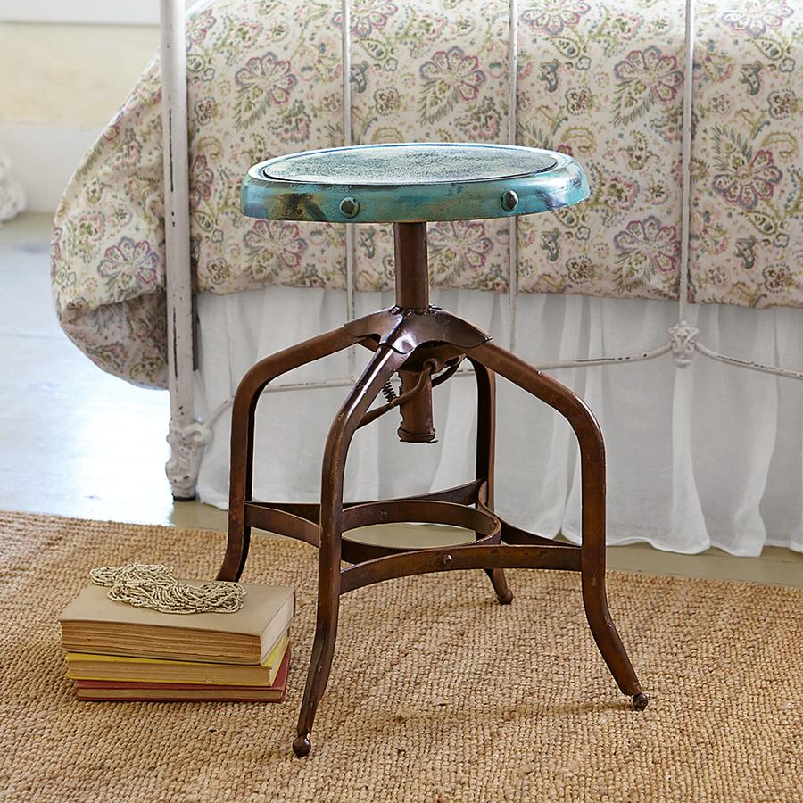 Texas Spinning Adjustable Stool